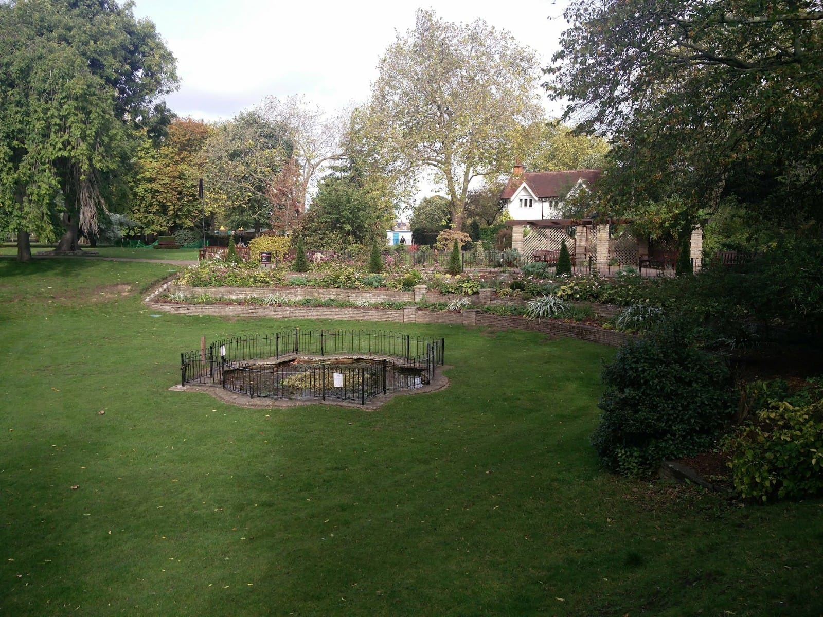 Photos of cottage at West Ham Park | Stratford | Personal Trainer Tips