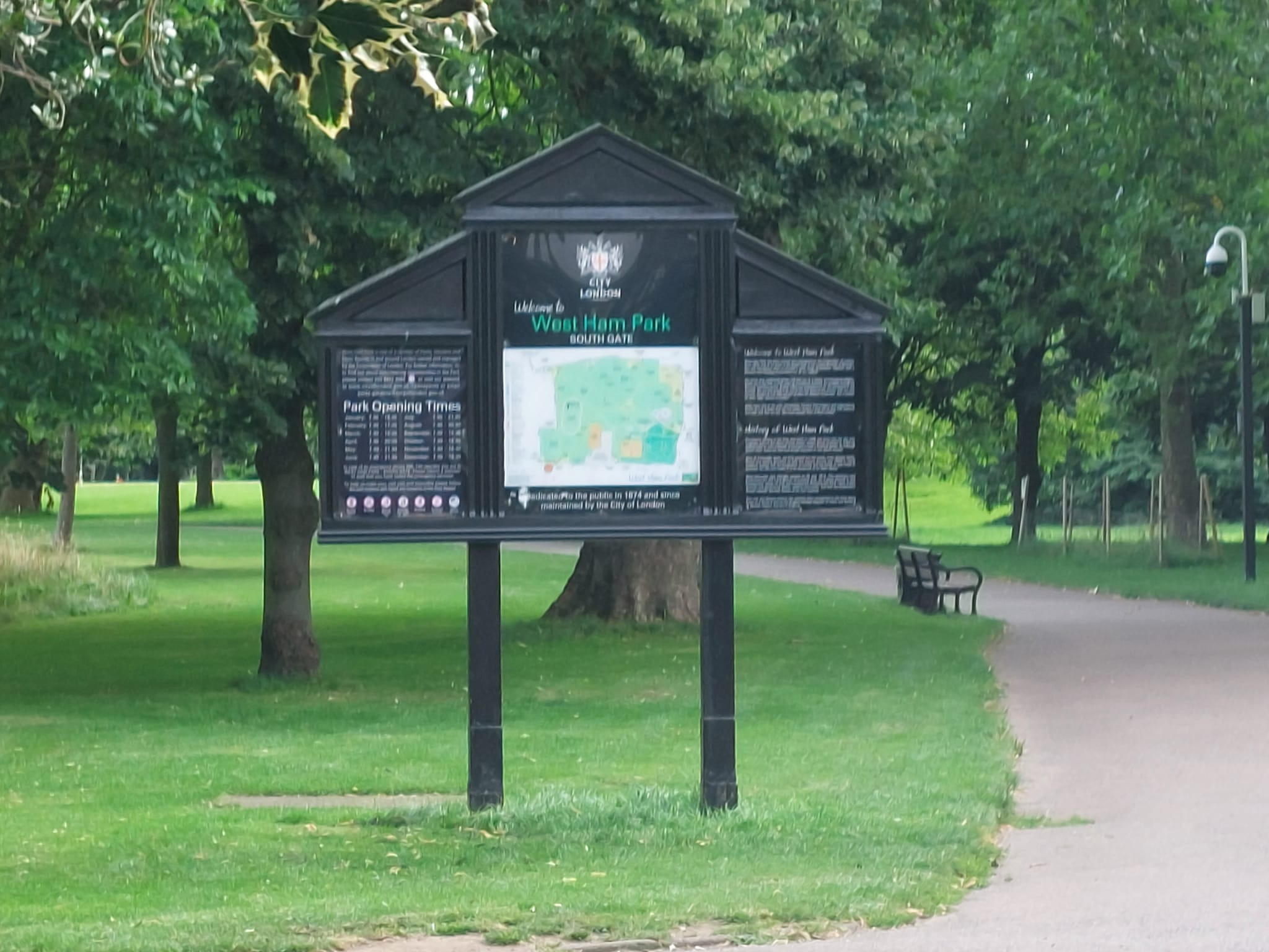 Sign at West Ham Park Stratford | Personal Trainer Tips