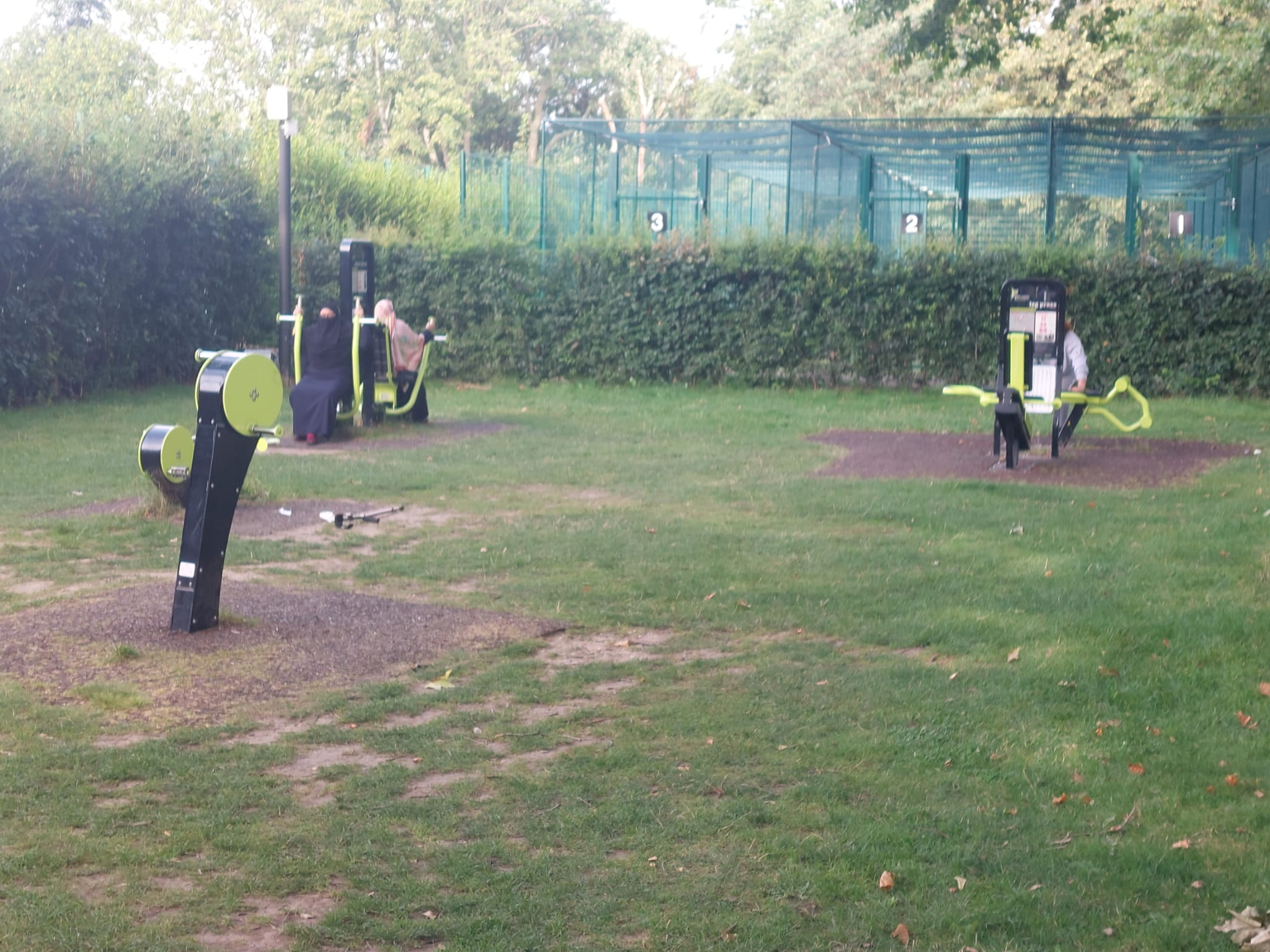Outdoor gym photos workout at West Ham Park | Stratford | Personal Trainer Tips