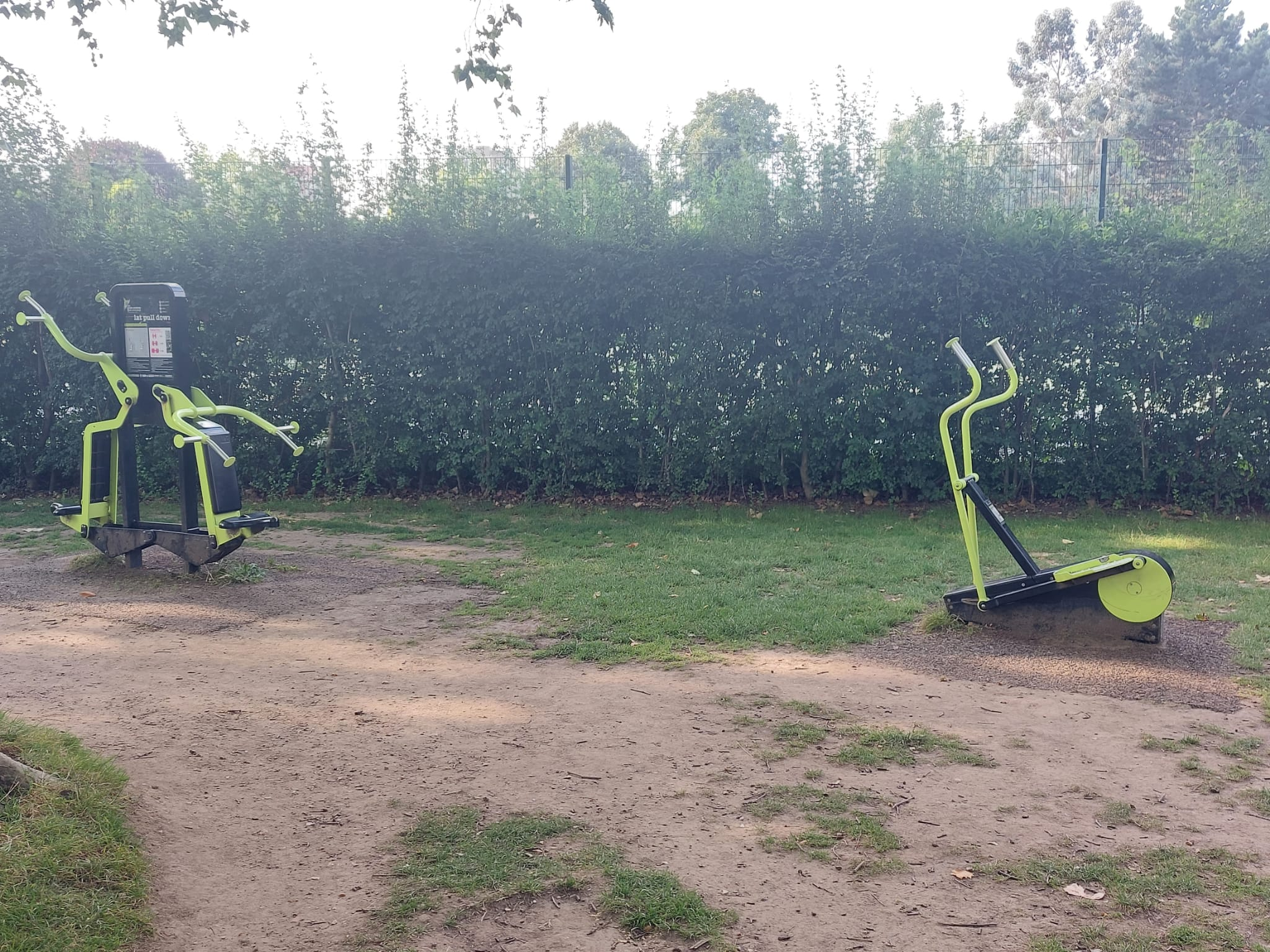 Photos of outdoor gym workout at West Ham Park | Stratford | Personal Trainer Tips