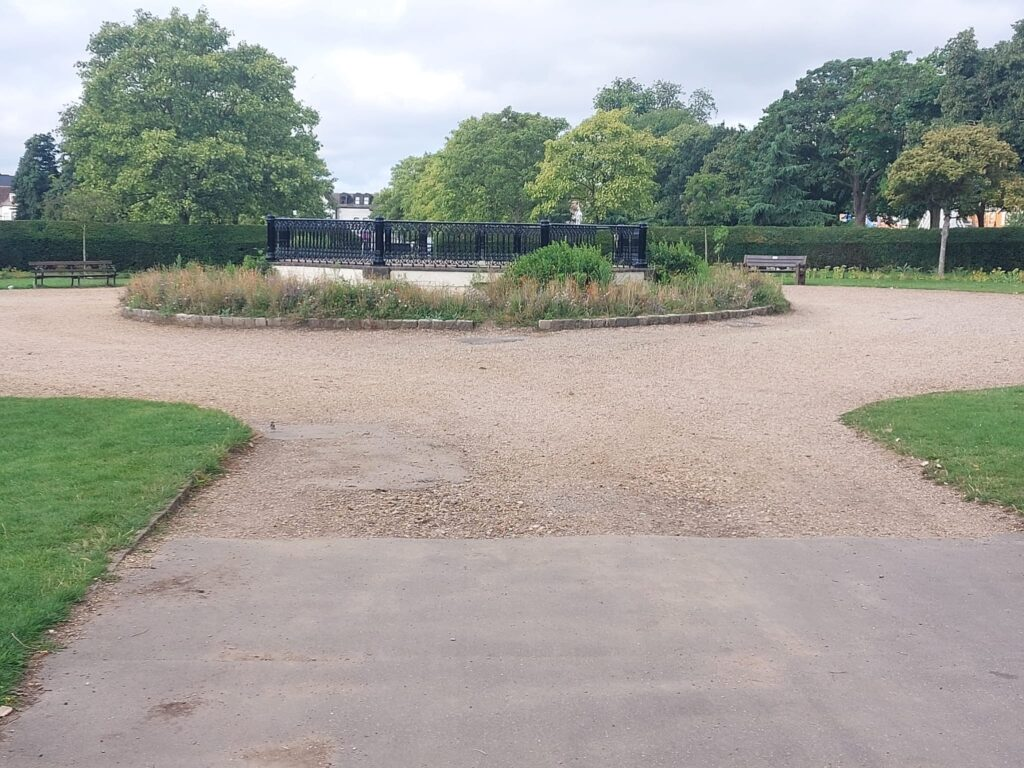 Pond at Valentine's Park | Personal Trainer Tips | DBworkouts.co.uk