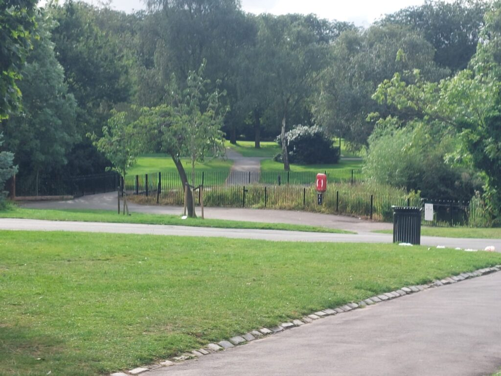 Path to children's play area at Valentine's Park | Personal Trainer Tips | DBworkouts.co.uk