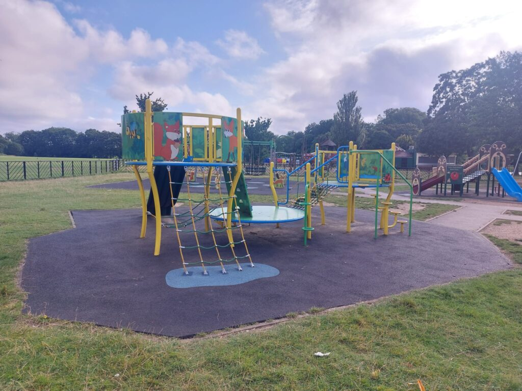 Climbing equipment in the children's play area at Valentine's Park | Personal Trainer Tips | DBworkouts.co.uk
