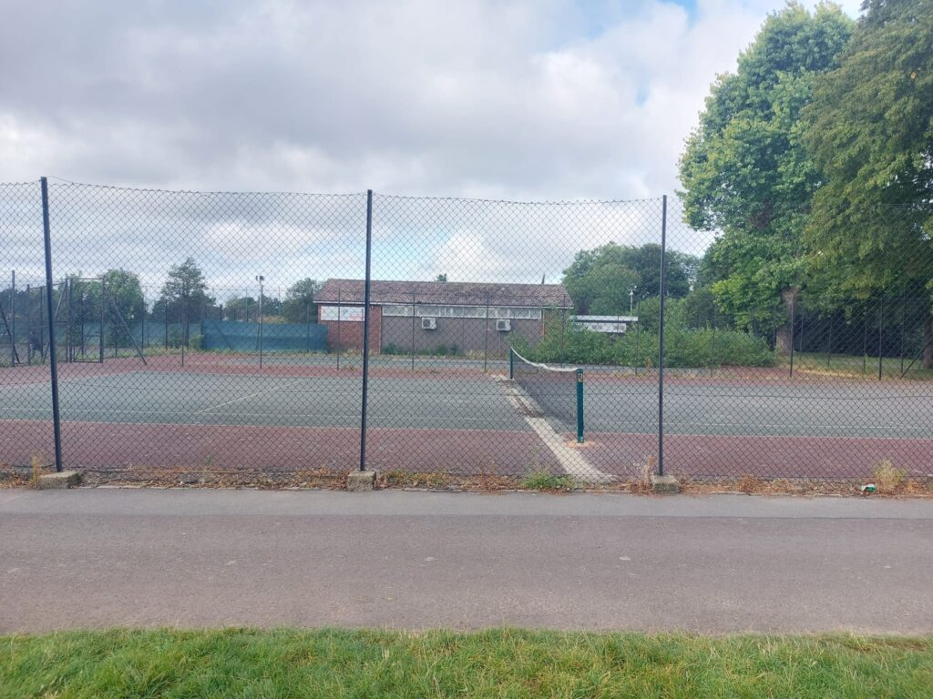 Tennis Courts at Valentine's Park | Personal Trainer Tips | DBworkouts.co.uk